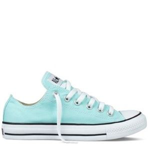 Women's size 10 low top teal green converse